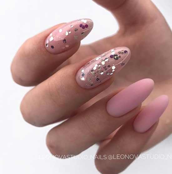 Блестки на длинных ногтях