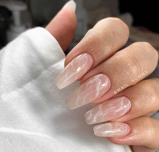 Длинные ногти модный нежный дизайн