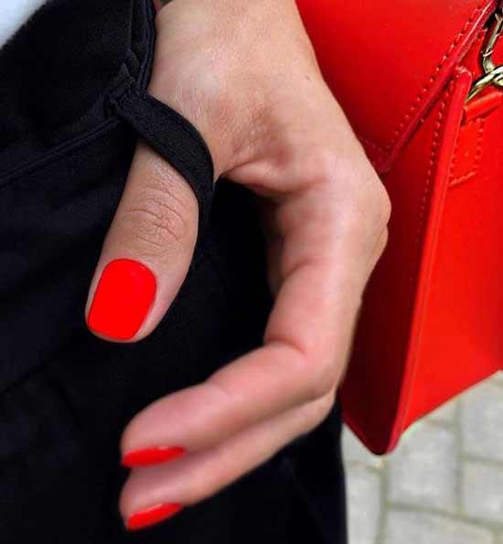 Яркий красный маникюр шикарный дизайн