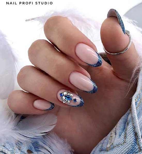Синий с блестками френч фото