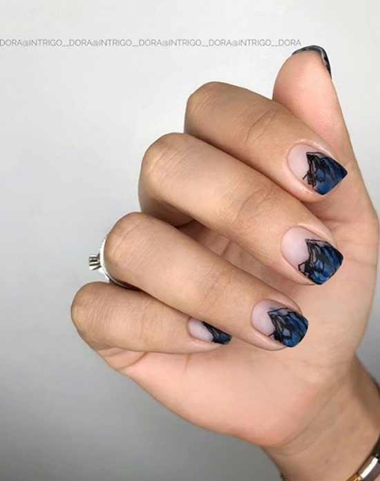 Абстрактный синий маникюр френч