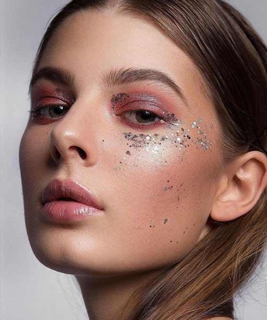 Тренды в макияже - глиттер