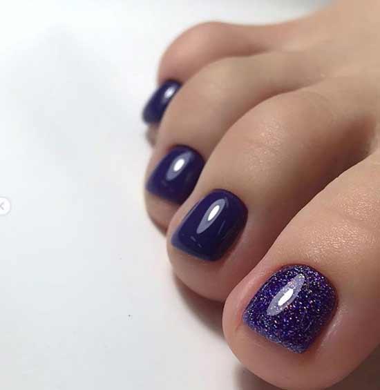 Фиолетовый педикюр