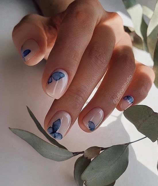 Весна маникюр с синими цветочками