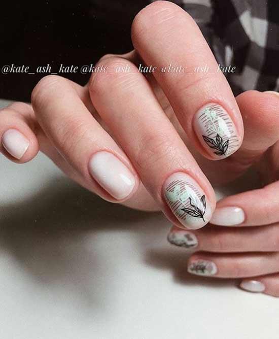 Весенний минимализм на ногтях