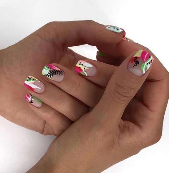 Изумрудные мазки на ногтях