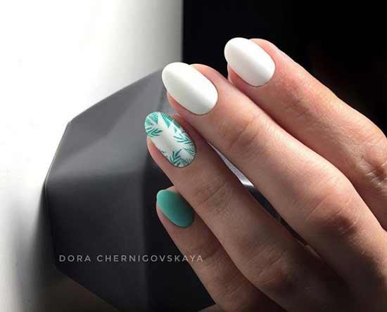 Свело-зеленый акцент на одном ногте