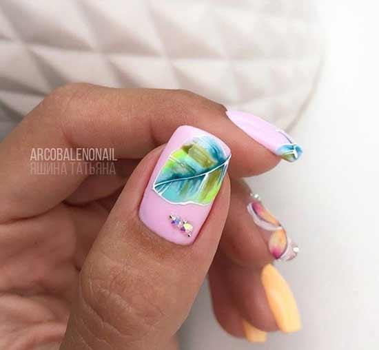 Растительный зеленый узор на ногтях