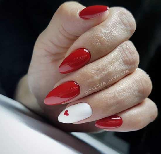Красно-белый острый маникюр
