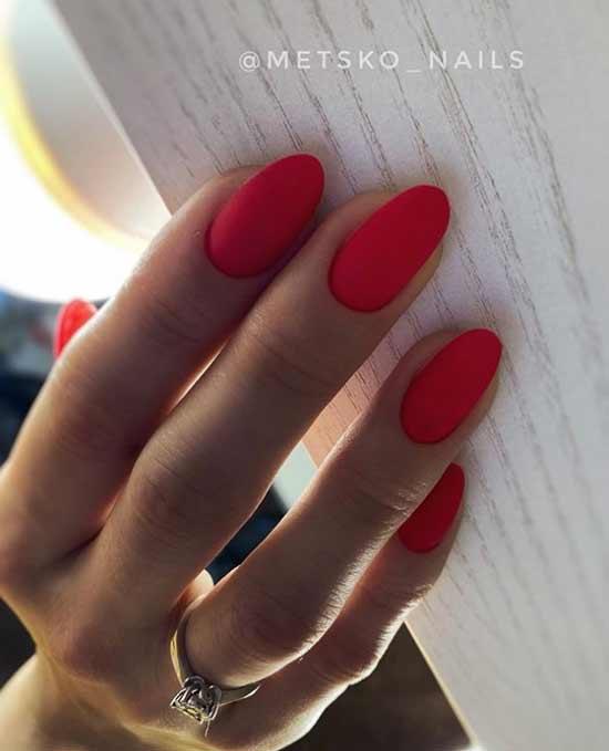 Красные матовые острые ногти