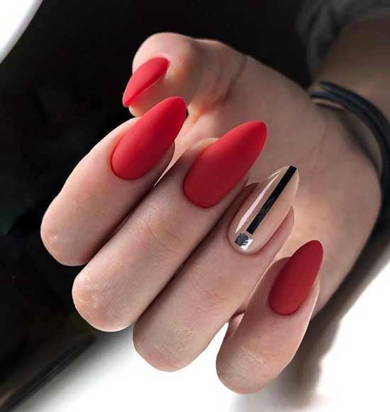 Геометрия на острой форме ногтей миндаль