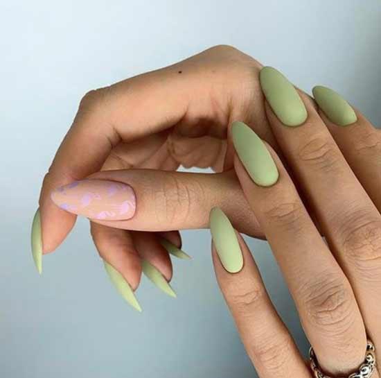 Острые ногти мятного цвета