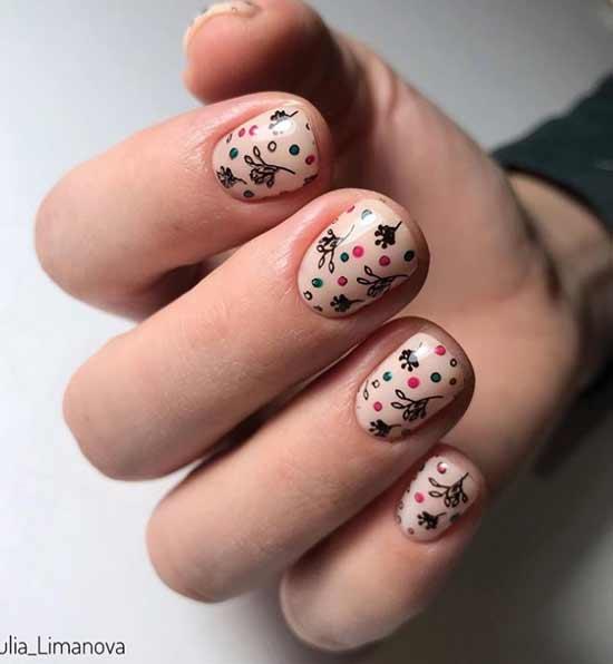 Короткие ногти с дизайном
