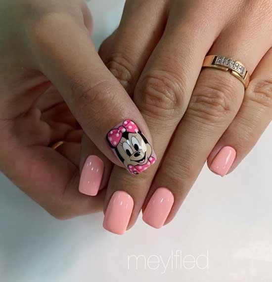 Розовый с рисунком