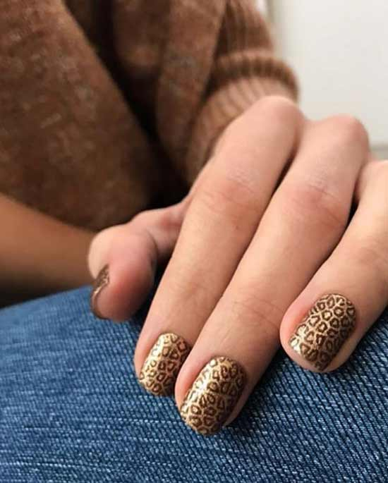 Животный принт на ногтях