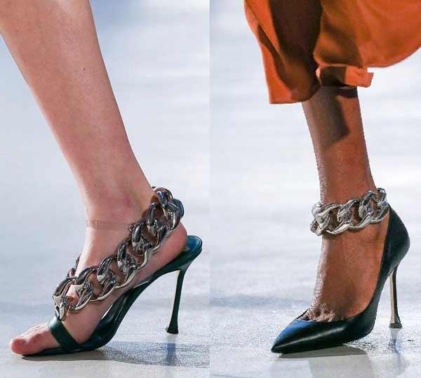Модная обувь с цепями - босоножки и туфли