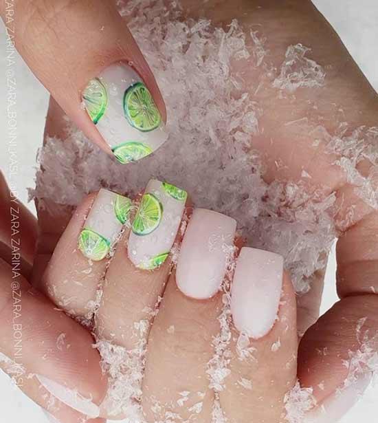Красивый дизайн ногтей в стиле нюд