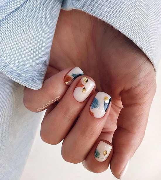 Наклейки на короткие ногти