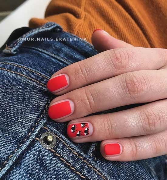 Матовые ногти с рисунком