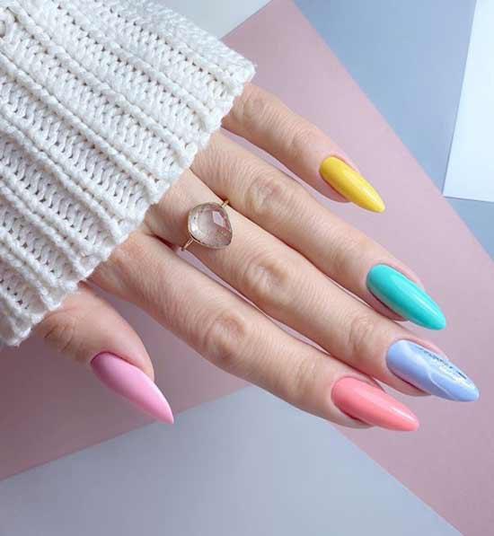 Красивый пастельный маникюр длинные ногти