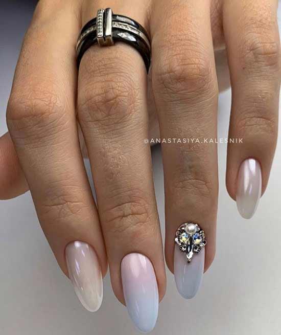 Красивый градиент на длинные ногти