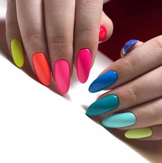 Разные цвета всех ногтей