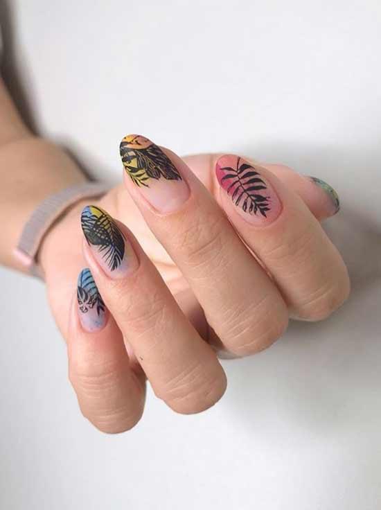 Красивый стемпинг на кончиках ногтей