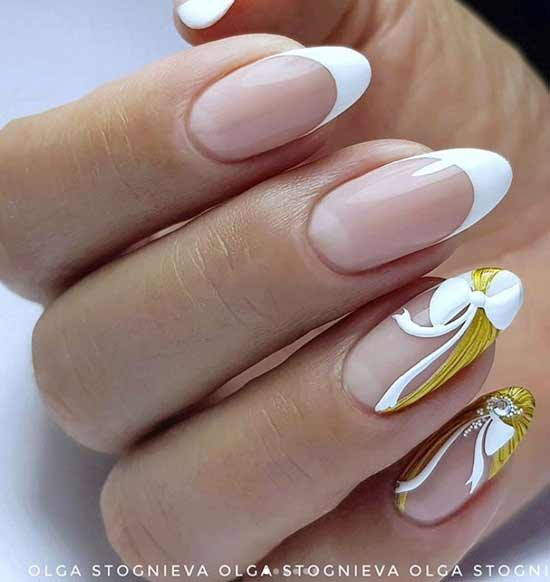 Бело-золотой френч ногти длинные