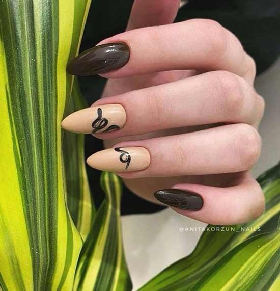 Длинные ногти со змеей