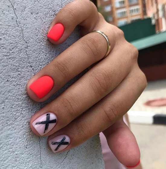 Красные короткие ногти с геометрией