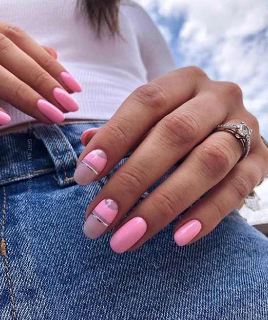 Розовые ногти с геометрией полосками