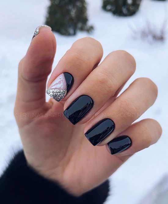 Черный простой дизайн ногтей