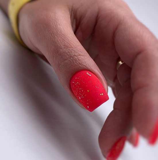Ярко-красный с блестками фото маникюра