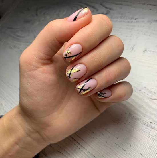 Короткий маникюр форма ногтей квадрат