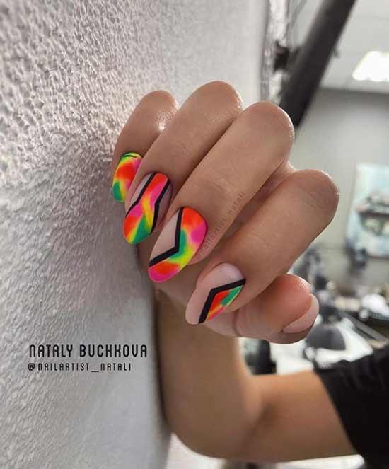 Красно-желто-зеленый неоновый дизайн ногтей