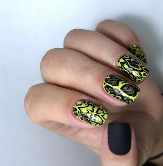 Неоновый принт на ногтях