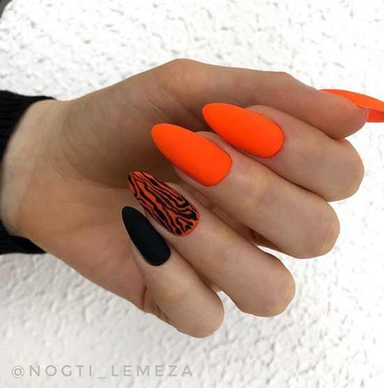 Яркий дизайн длинные ногти