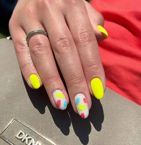 Яркий стильный дизайн ногтей
