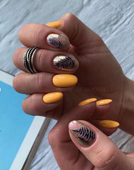 Дизайн ногтей с золотым листочком