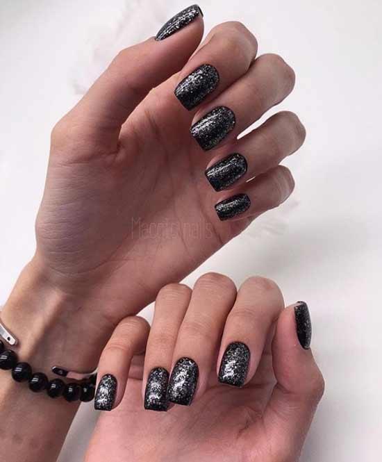 Черные ногти с дизайном осень