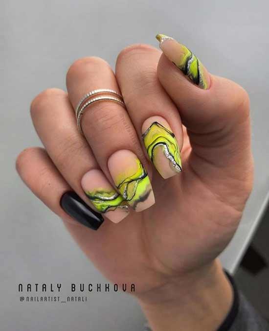 Кислотный рисунок на ногтях балерина