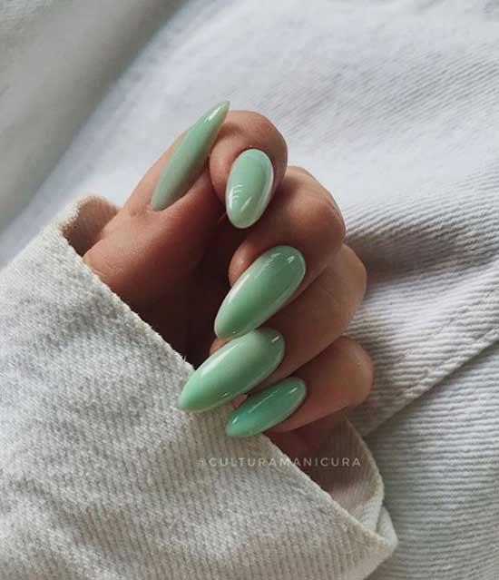Мятный маникюр длинные ногти загорелые руки