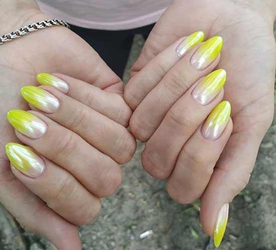 Желтое омбре ногти
