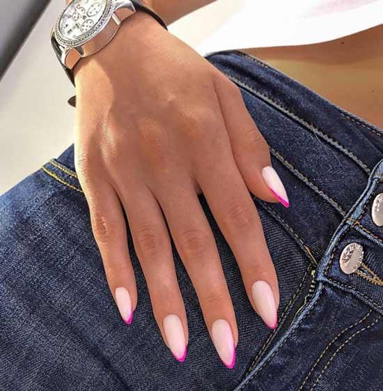 Неоновый френч на острой форме ногтей