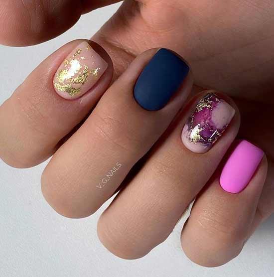 Разноцветные ногти с фольгой