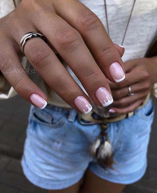Белый френч с рисунком на короткие ногти