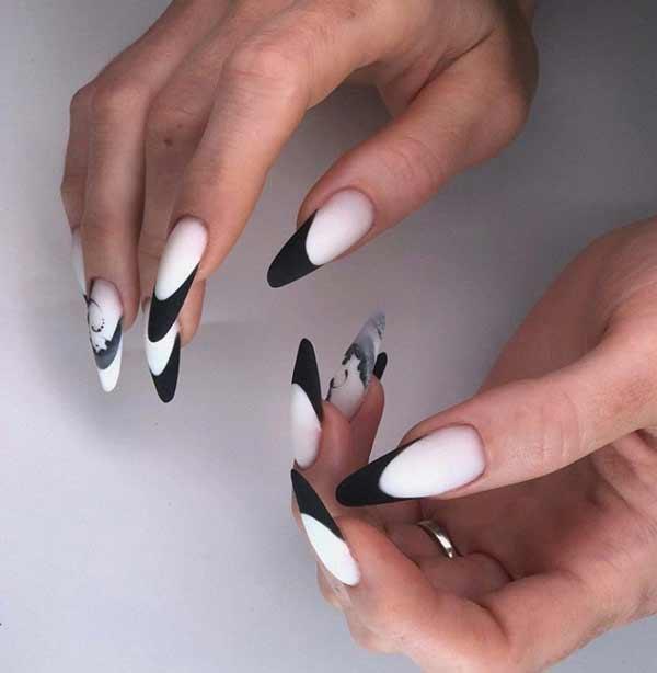 Черный с рисунком на одном пальце