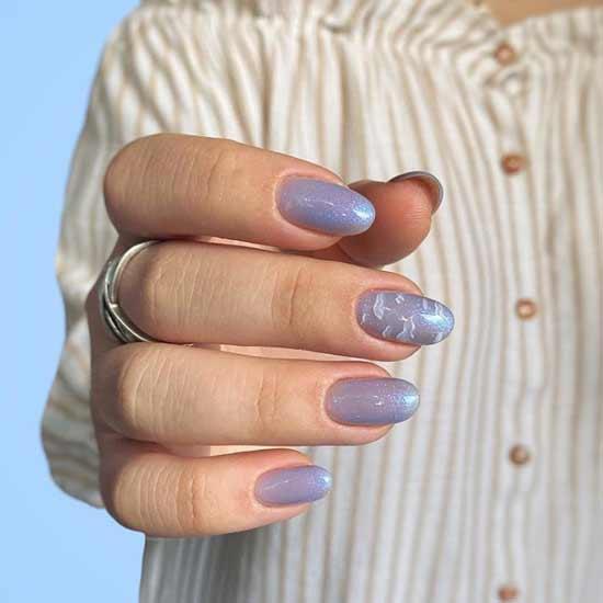 Облака и блестки на ногтях