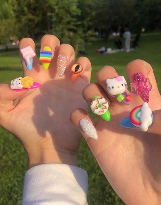 Объемные облака на ногтях