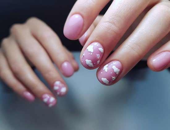 Короткие ногти дизайн с облаками